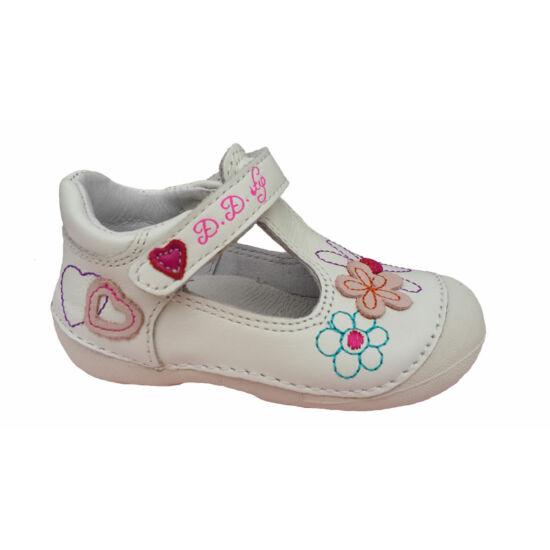 D.D.Step szandálcipő, fehér szíves- virágos